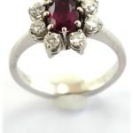 Weissgoldring-mit-8-Diamanten