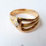 585 Gelbgold 14 K Ring als Schlange 1 Diamant