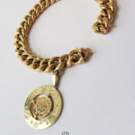 Breites Panzerketten Armband 750 Gelbgold Tierkreiszeichen Anhänger Glücksmünze