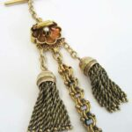Uhrenkette Chatelaine antik Gold Muschel Anhänger Perle und Pendant Verzierungen