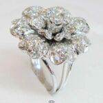 Ring Weißgold 750 breite Blüte aus Diamanten Vintage Luxusring