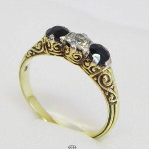 Antiker 14K Goldring mit Altschliff Diamant und Saphiren